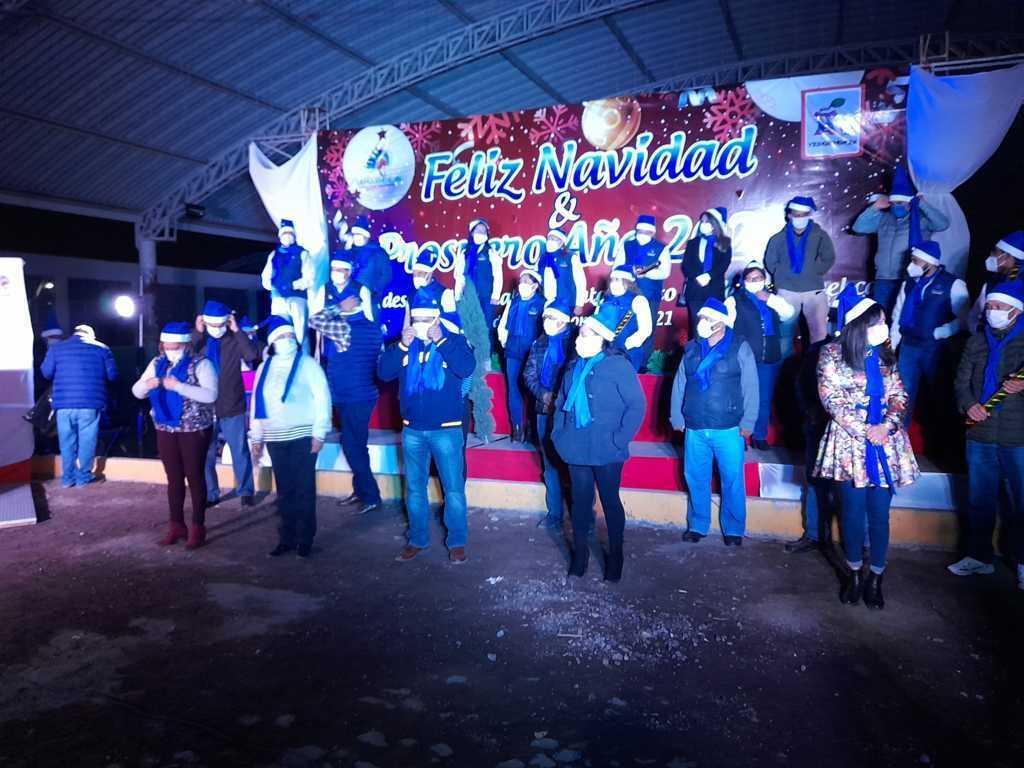 Iluminan el árbol navideño de Yauhquemehcan; edil llama a la solidaridad y unión