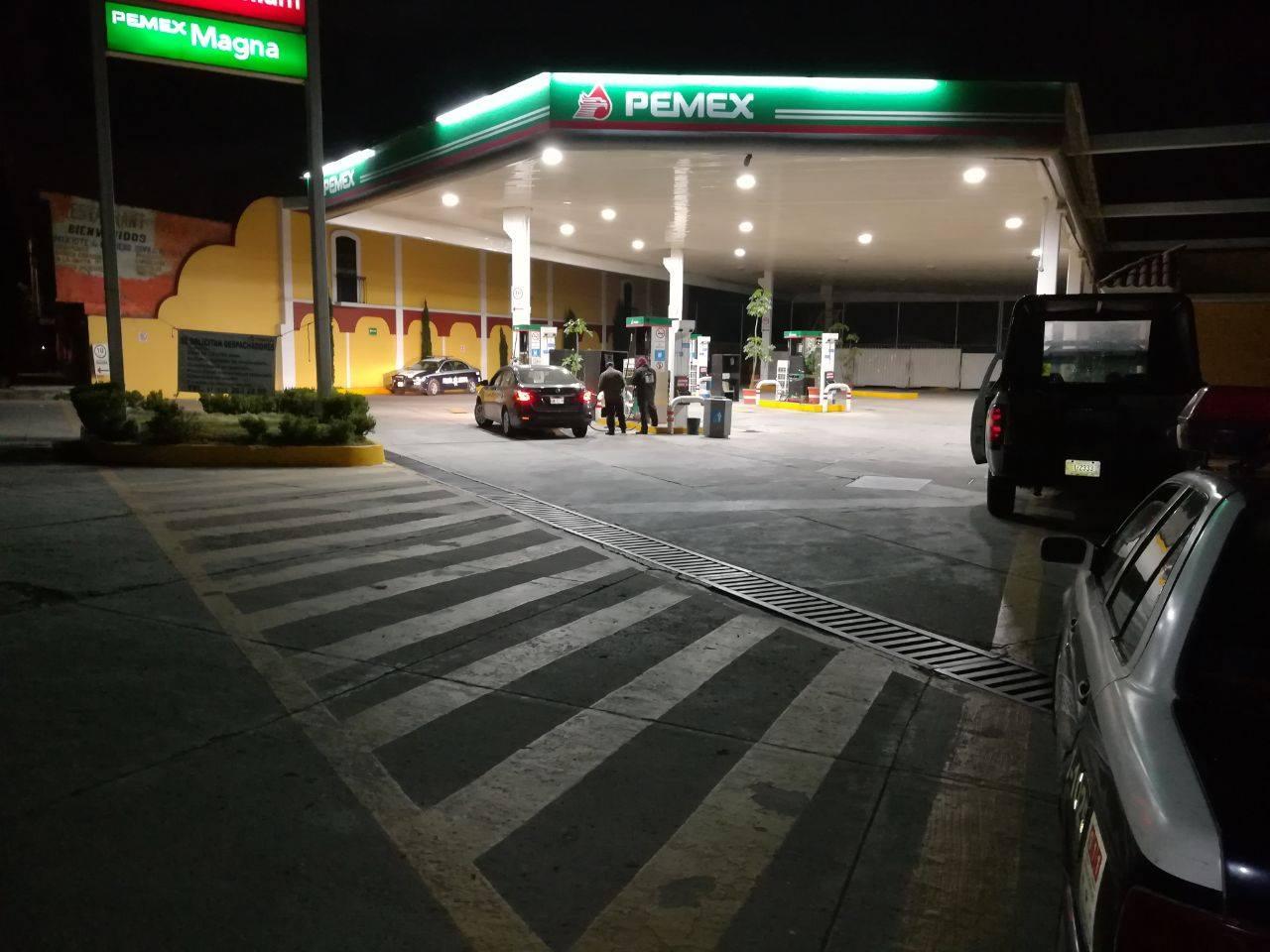 A punta de pistola asalta gasolinera en Xicohtzinco
