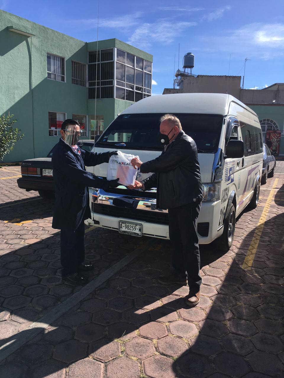 Entrega Secte paquetes de protección a concesionarios y operadores del transporte público