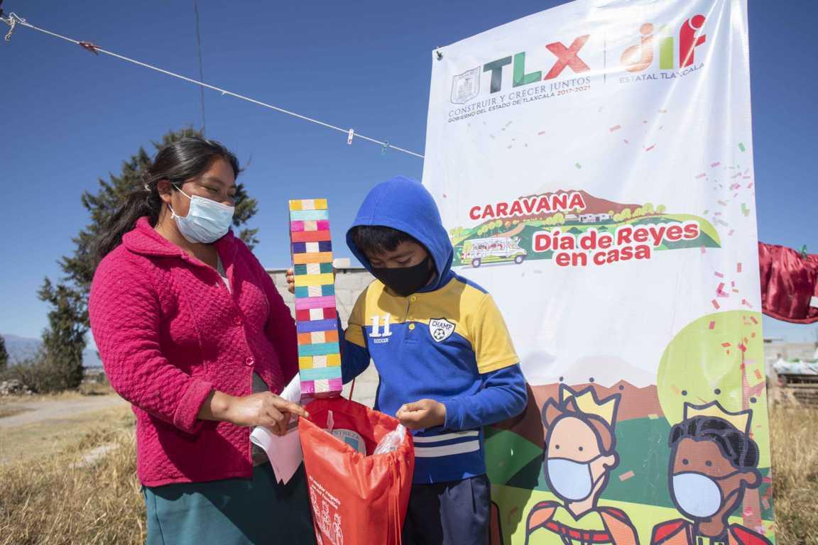 Entregan DIF Estatal y SUPÉRATE más de 4 mil juguetes a infantes de 20 municipios