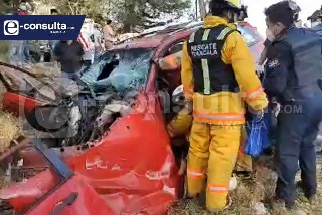 Fatal accidente deja casi una docena de lesionados
