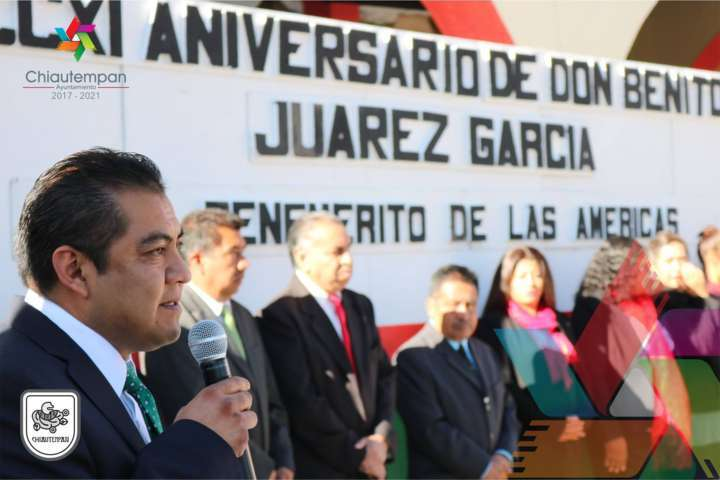 Ayuntamiento de Chiautempan conmemora natalicio de Benito Juárez