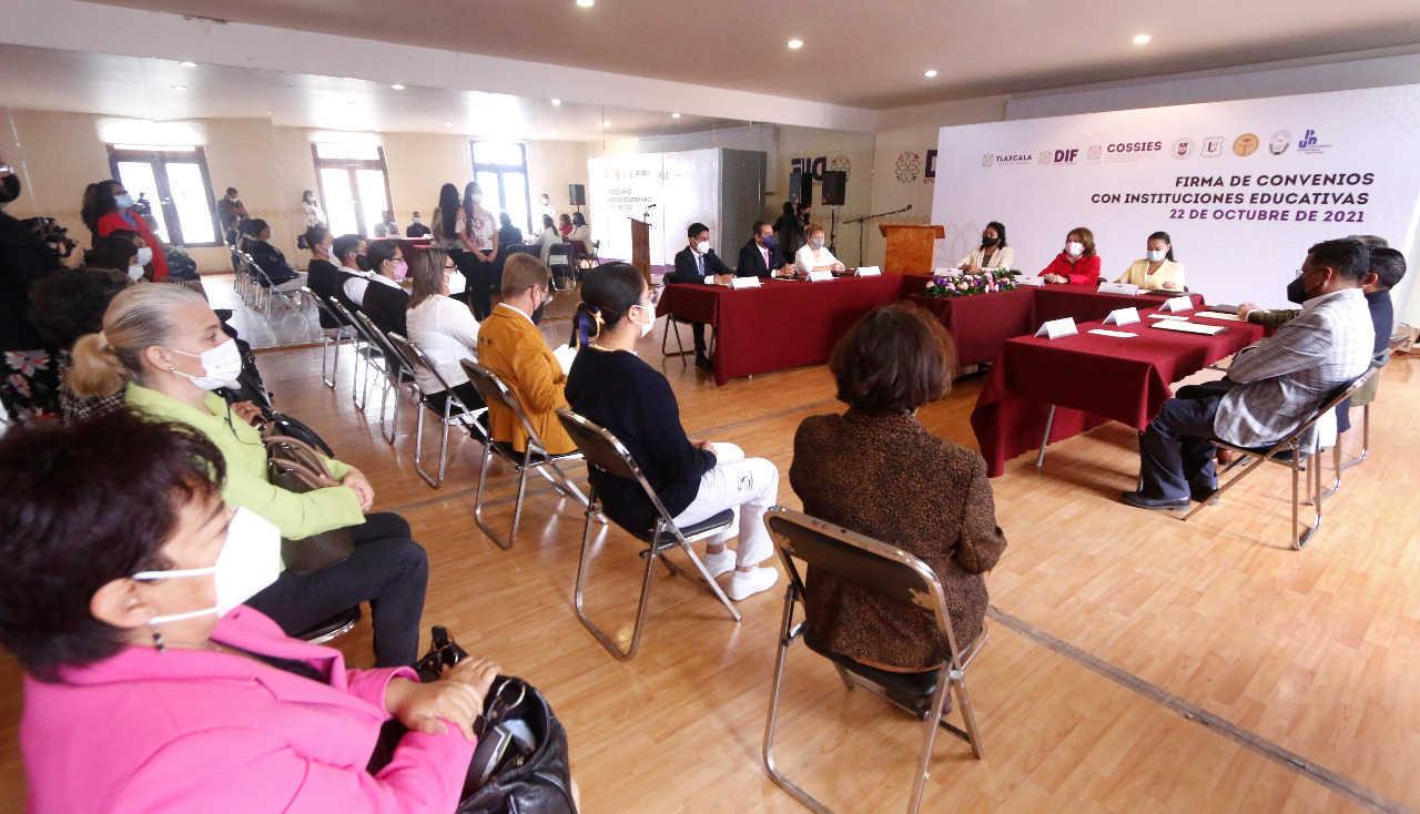 Firma SEDIF convenio de colaboración con COSSIES y Universidades
