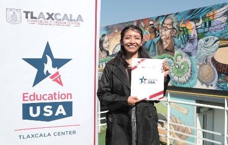 Docente de Tlaxcala obtiene beca internacional E-Teacher Scholarship