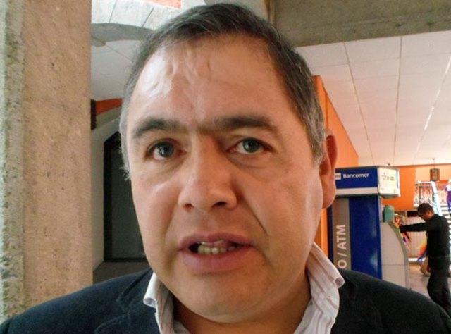 Alcalde panista de Tlaxco se clava salarios de empleados