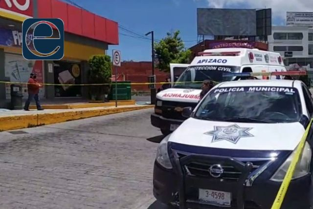 Masculino muere al exterior de una tienda de conveniencia en Apizaco