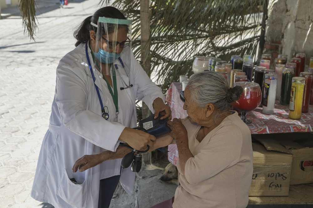 Recomienda SESA a adultos mayores reforzar cuidados y medidas preventivas por covid-19
