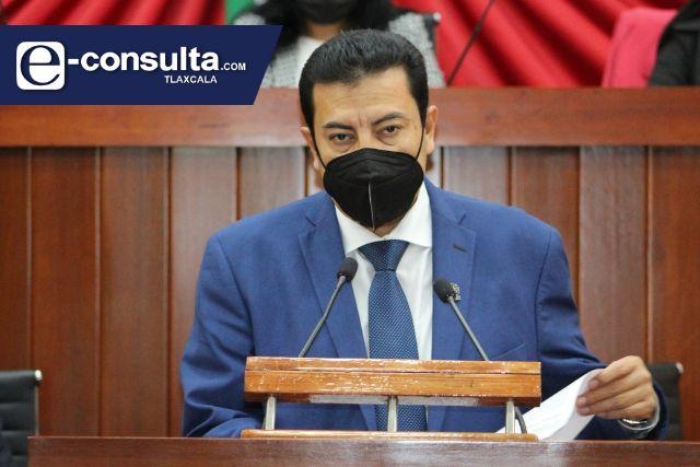 Aumenta la desbandada en el Congreso, ahora Jesús Rolando pide licencia