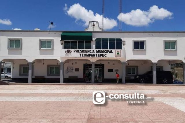 Por coscolino se infecta de Covid-19 director de obras de Tzompantepec
