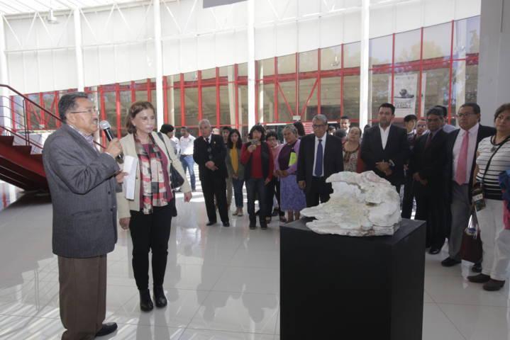 Inaugura la UAT la exposición Peregrinas Piedras