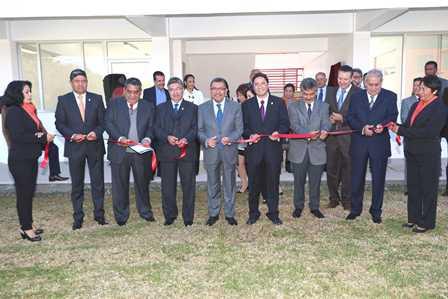 Inauguró Rector Reyes de la UAT edificio de posgrados