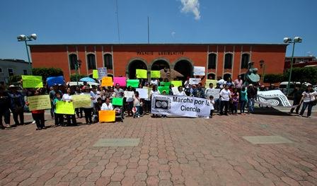 """Participó la UAT en la """"Marcha por la Ciencia"""""""