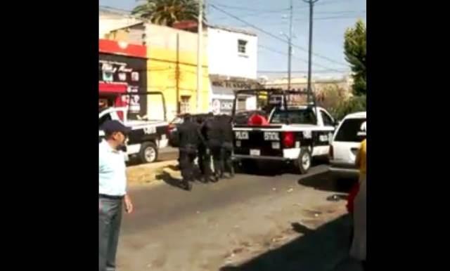 Policía municipal de Apizaco desoye llamadas de auxilio