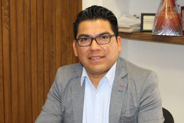 Cumple José Luis Garrido Cruz con ciudadanía