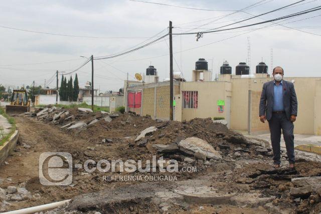 Comienza la construcción de pavimiento de asfalto en calles de Santa Cruz Tlaxcala