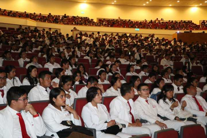 Celebra UATx el Día del Médico