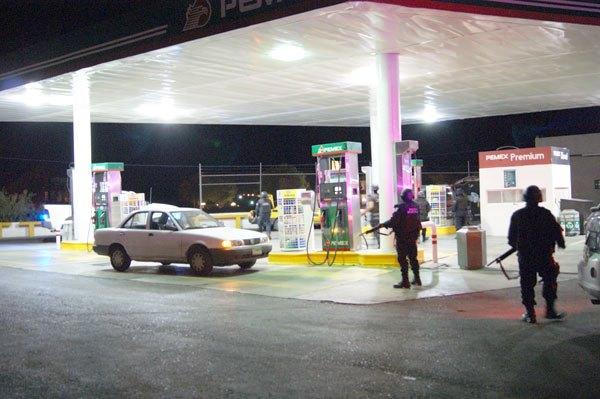 Robos en gasolineras son pagados con el salario de los despachadores