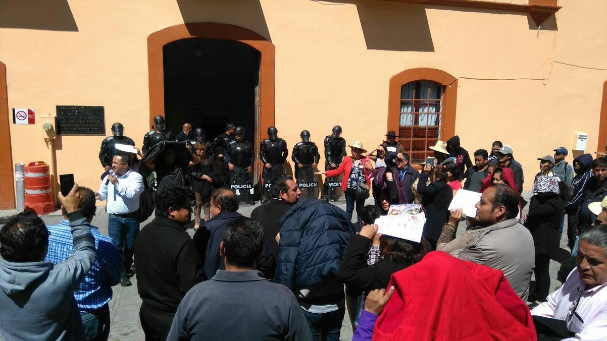 Se encrespan los ánimos en alcaldía de Santa Cruz Tlaxcala
