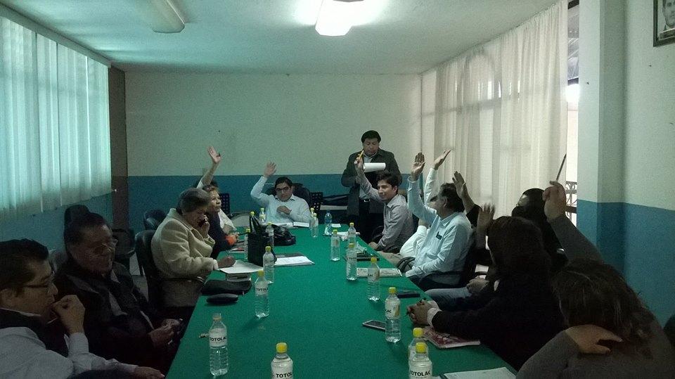 Entrega alcalde primer informe de gobierno al cabildo