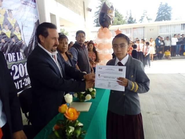 """Asiste Pérez Manoatl, como padrino de generación de la primaria """"Emiliano Zapata"""""""
