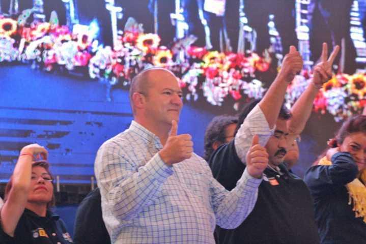 Acuerda Juan Corral convertirse en un diputado itinerante