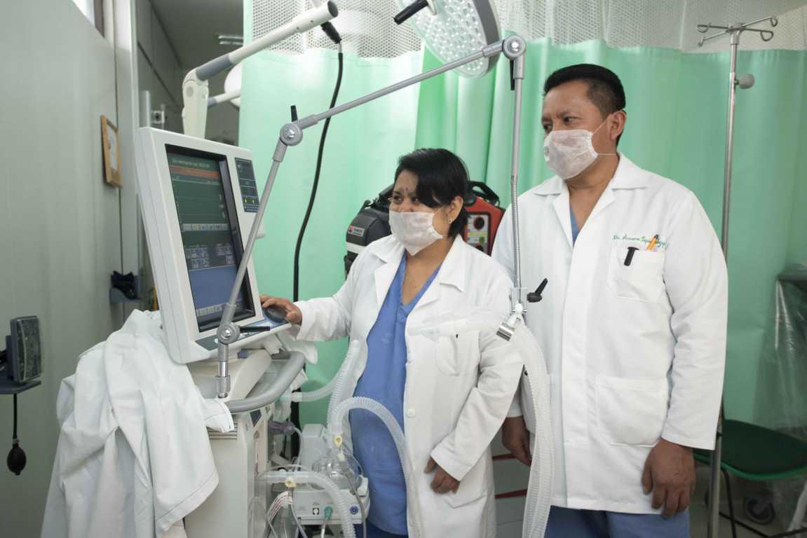 Capacitan a personal de enfermería, psicología y trabajo social en atención a pacientes Covid