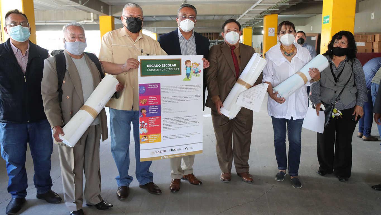 Entregan insumos para desinfección de escuelas públicas de educación básica