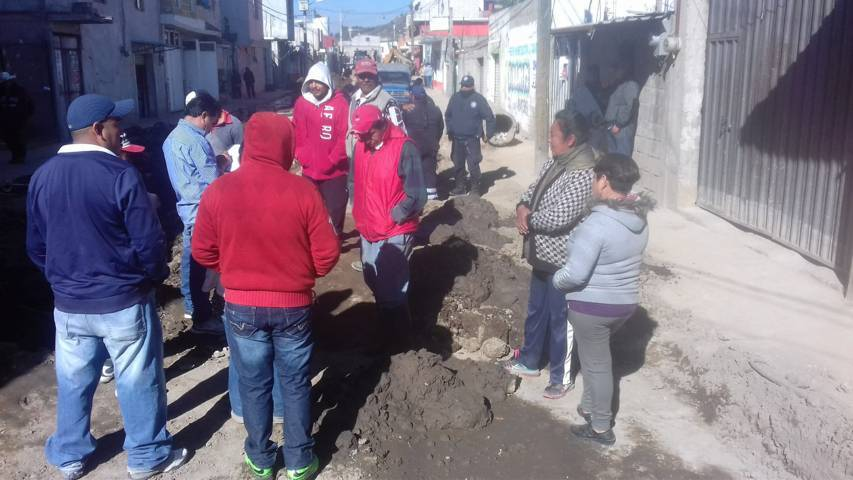 Vecinos molestos exigen a alcalde concluya obra en Nativitas