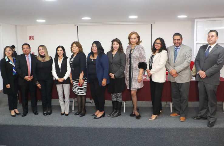 Participa Rector de la  UATx en panel para la protección de las mujeres