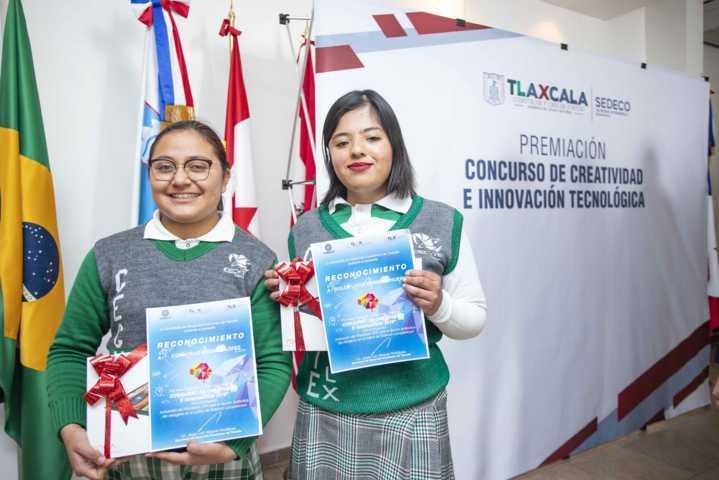 Premia Sedeco a ganadores del concurso Creatividad E Innovación Tecnológica