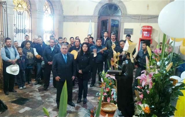Presidente municipal de Tlaxco usó alcaldía como templo religioso