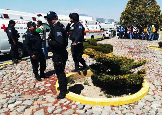 Incendio en fábrica de Tlaxco causa crisis nerviosa en empleados