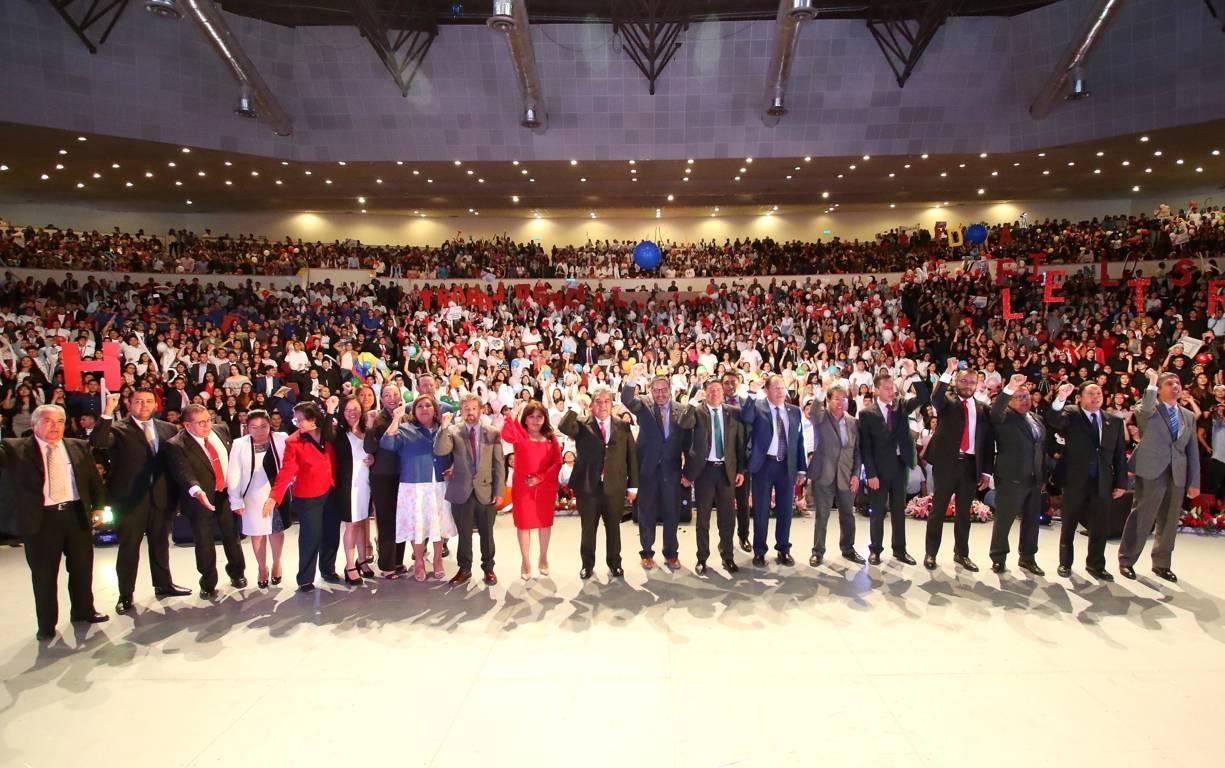 Con entusiasmo recibe la UATx a estudiantes de nuevo ingreso