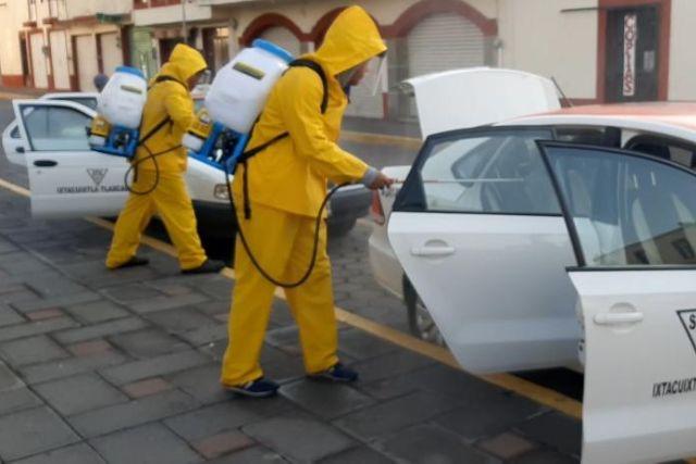 Inicia campaña de sanitizacón de autos en Ixtacuixtla