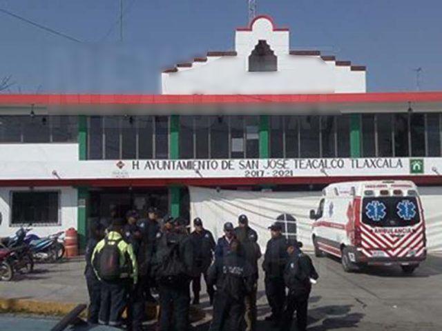 Realizan paro de labores policías de San José Teacalco