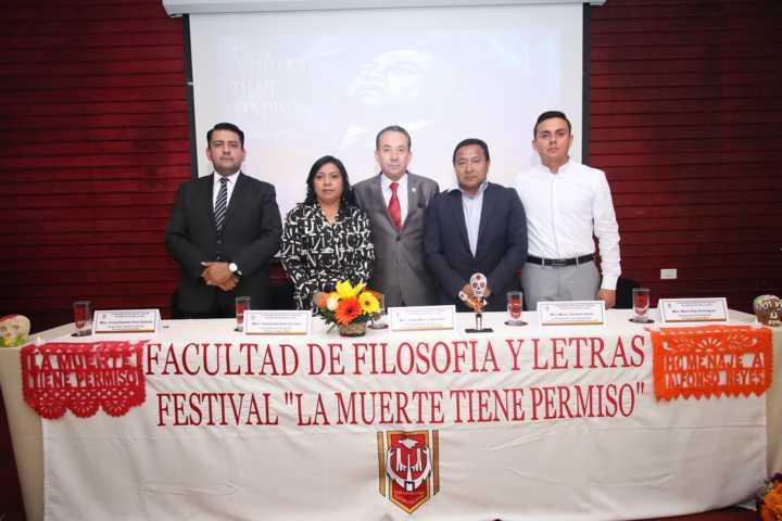 Homenajea la UATx a Alfonso Reyes en el festival la muerte tiene permiso