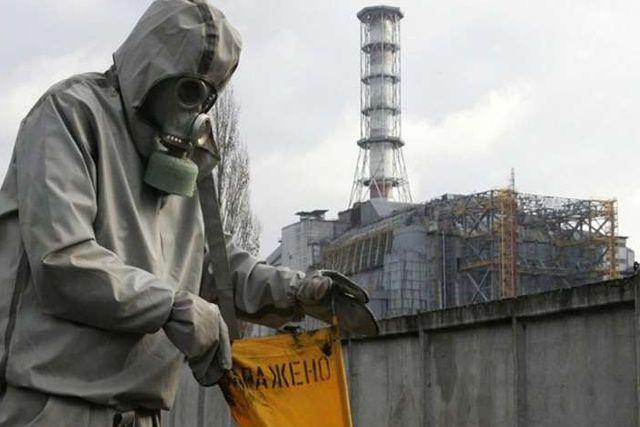 Trajes fabricados para Chernobyl son donados al personal sanitario en España