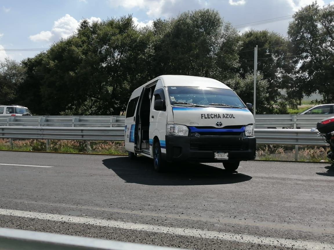 Chofer borracho de la línea Flecha Azul provoca accidente en SPM