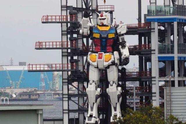 Cobra vida un gigante robot creado en Japón