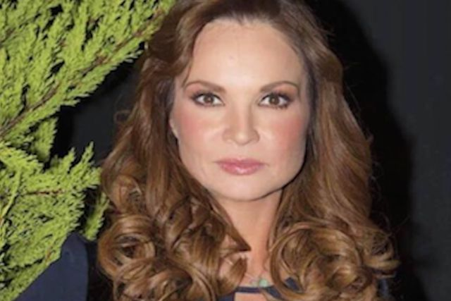 Se burlan de Ana Patricia Rojo por su nuevo negocio de licuados en la calle