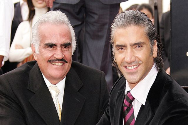 Pepillo Origel asegura que Vicente Fernández y El Potrillo recibieron dosis vs Covid