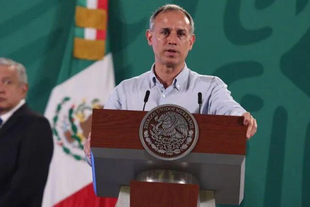 Critican a López-Gatell por presentarse a la Mañanera con gripe, tos y sin cubrebocas
