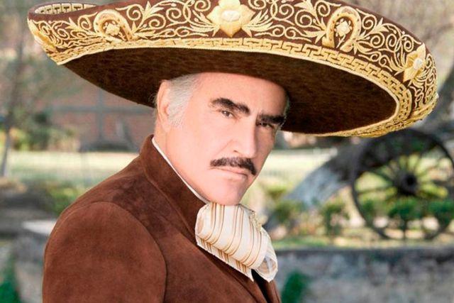 Reportan que Vicente Fernández se encuentra en terapia intensiva grave pero estable
