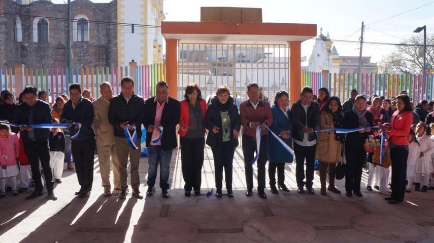 Inauguran techado en preescolar Emiliano Zapata comunidad de Tlaltepango, San Pablo del Monte