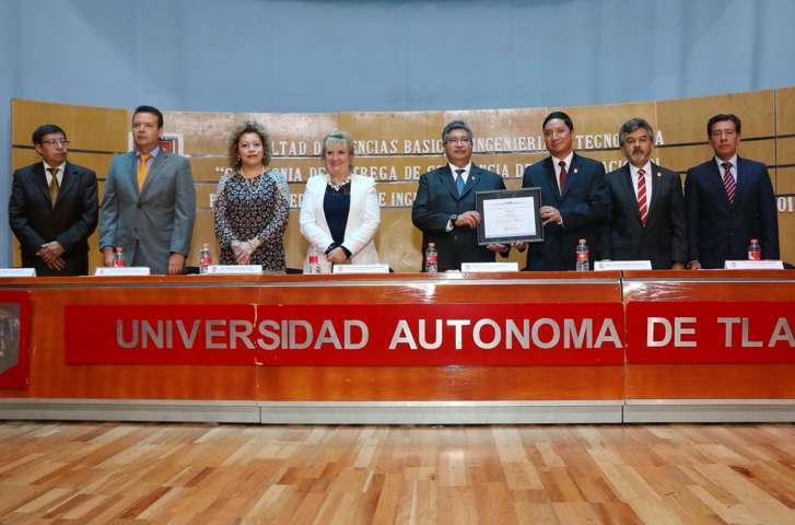 Recibe acreditación Licenciatura en Ingeniería Química de la UAT