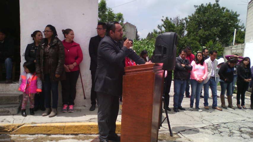 Mendieta Lira mejora infraestructura básica en barrio Xolalpan