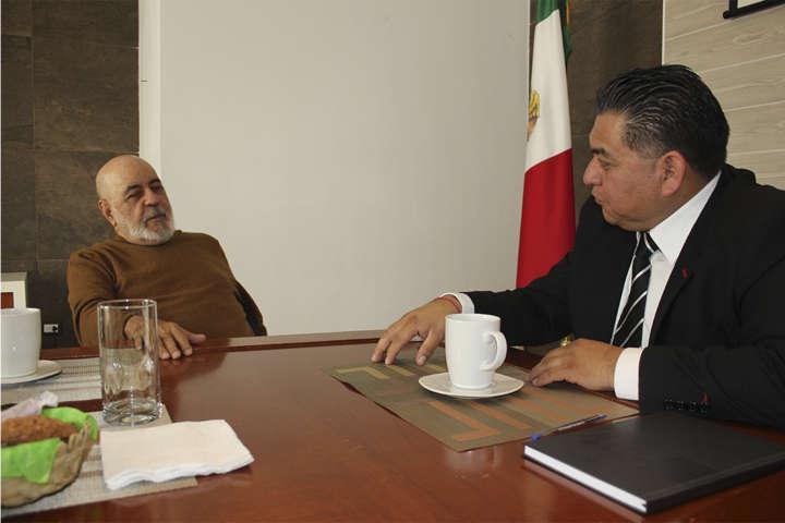 Comparte Álvarez Lima estrategias de su gobierno a edil de Apetatitlán
