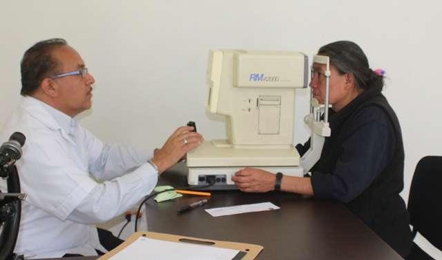 El SMDIF de Tepetitla ofrece exámenes de la vista gratuitos