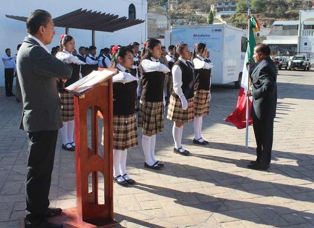 """Gobierno Municipal de Tepetitla conmemora el """"Día de la Bandera"""""""
