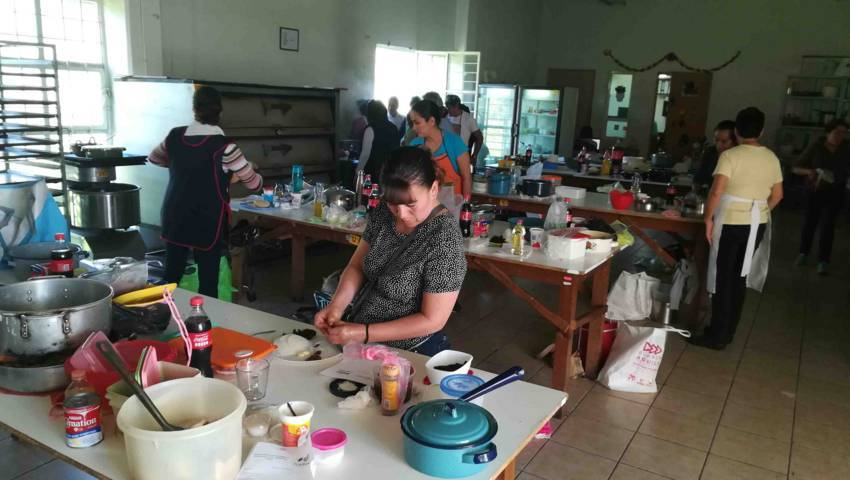 Inicia SMDIF de Tlaxcala curso de Cocina Navideña